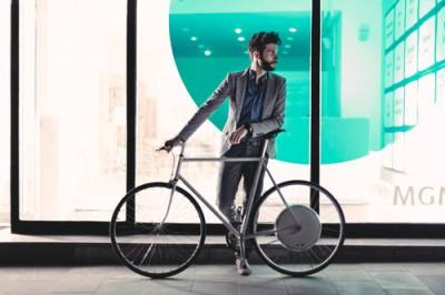 FlyKly är ett hjul med inbyggd elmotor för att göra det lätt att bygga om till elcykel.