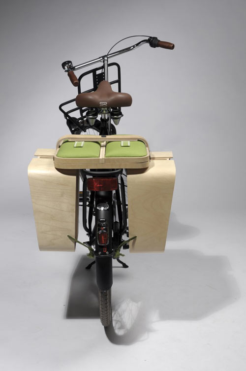 Springtime när det är placerat på pakethållaren på en cykel.