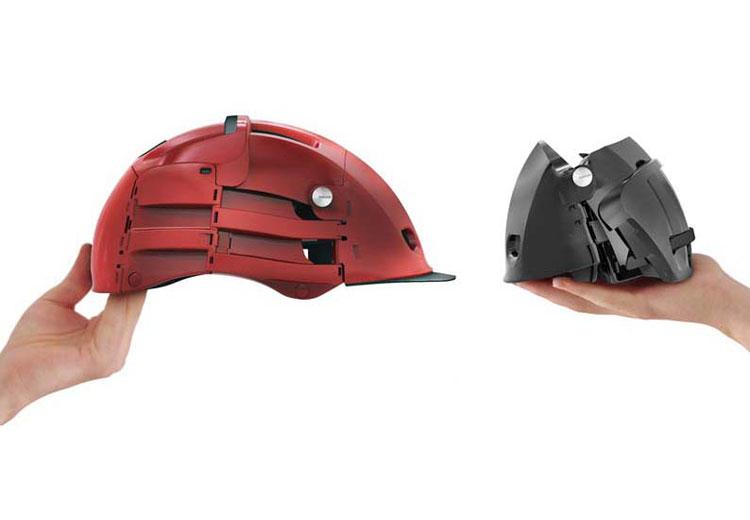 Folding Helmet från franska Overade viker du ihop på bara ett par sekunder. Därefter är denna cykelhjälm redo att stoppas ner i fickan.