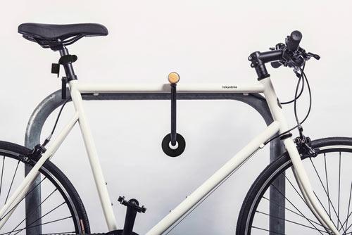 Double O är format som en klassisk donut vilket gör att det enkelt går att låsa fast i ditt bygellås.