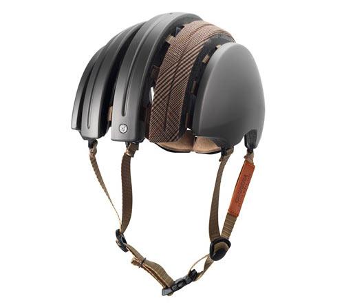 Carrera Foldable Helmet med en touch av John Boultbee – för Brooks Englands räkning.
