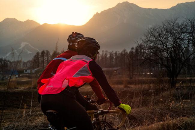 Rapha släpper i och med sin höst- och vinterkollektion ett antal nya handskar för vintercyklister.