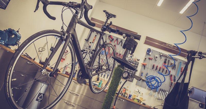 Verkstad hos cykelhandlare